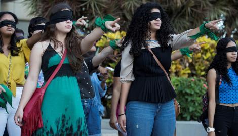 """""""Un violador en tu camino"""", del movimiento feminista """"Las Tesis"""", se hará en Buenos Aires"""