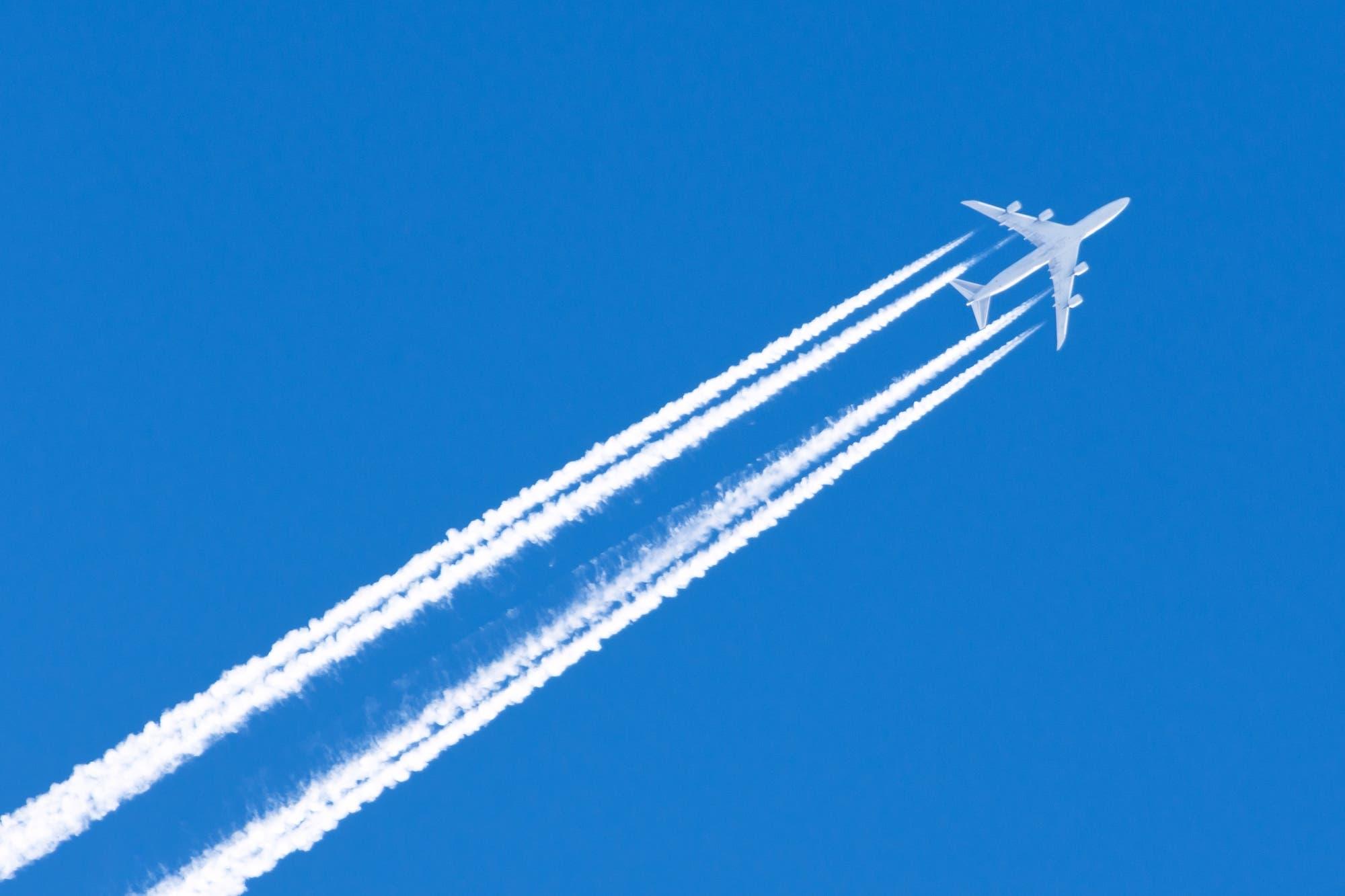 Cuán cierto es que podemos viajar en avión sin contaminar el planeta