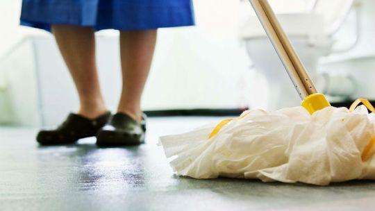 empleadas-domesticas:-cuanto-sera-el-aumento-salarial-para-noviembre-y-diciembre